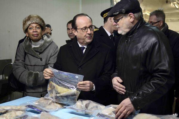 George Pau-Langevin, ministre des Outre-mer, François Hollande et le maire de Miquelon, Jean de Lizzaraga