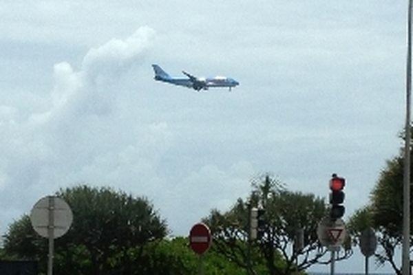 Le vol SS910, ce matin, en finale après sa procédure d'attente