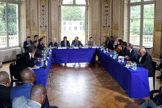 Signature de l'accord entre les collectivités d'Outre-mer et le gouvernement