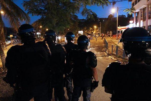 Un gendarme devant les Assises de Mayotte pour avoir tiré au flashball sur un enfant