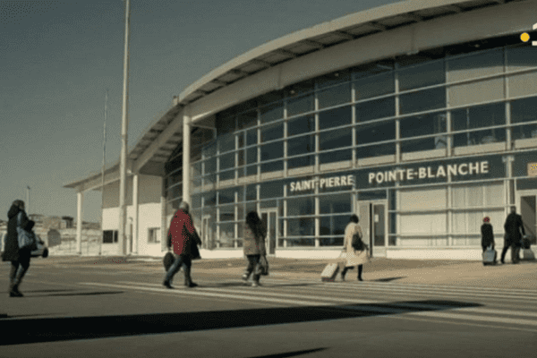 aeroport saint-pierre pointe blanche