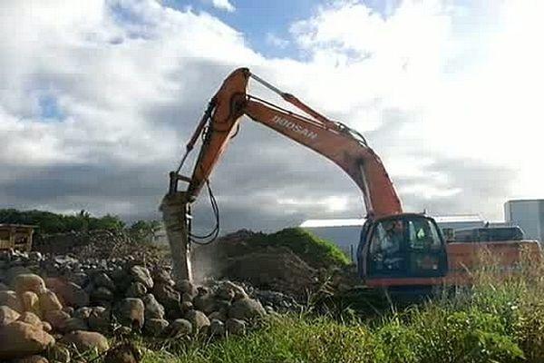 BTP - Engin terrassement marteau piqueur