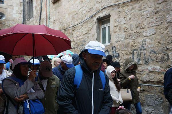 Pèlerins réunionnais chemin de croix