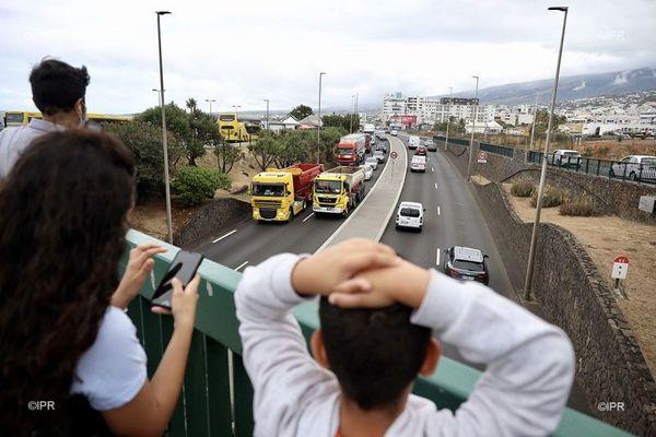 Opération escargot des transporteurs à Saint-Denis, mercredi 29 juillet.