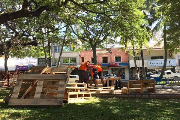 Fête des quartiers de Nouméa, 8 août, place des Cocotiers, meubles en palette
