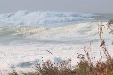 Dans la nuit de vendredi 10 à samedi 11 septembre 2021, les creux en mer ont atteint jusqu'à 17 mètres.