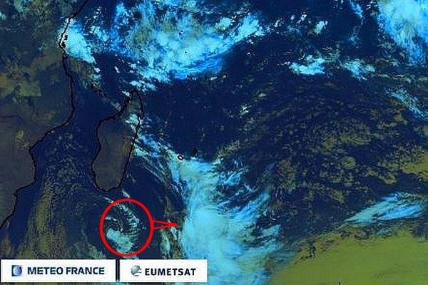 Déplacement du système situé au sud de La Réunion 5 mai 2021