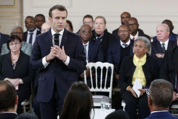 Macron grand débat outre-mer