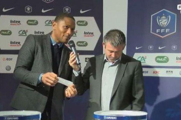 José-Karl Pierre-Fanfan tire au sort le nom des équipes qui s'affronteront lors du 7ème tour de la Coupe de France de football