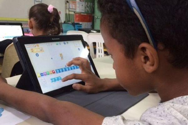 Les écoles de Saint-André vont être équipées de tablettes tactiles et de borne wifi d'ici la fin du premier trimestre.