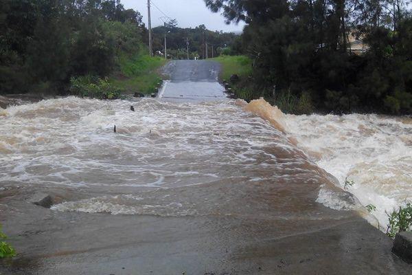 Inondations sur un ravier à la Tamoa