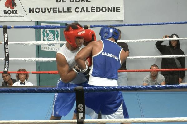Boxe :  rencontres Nouvelle-Calédonie - Tahiti des 23 et 25 mai 2018 de Rivière Salée