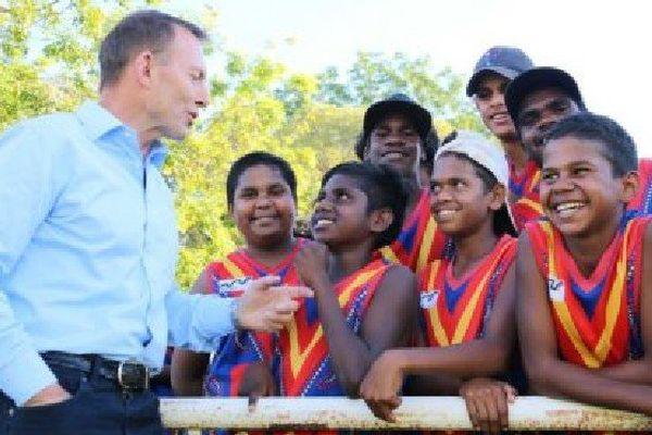 L'ancien Premier ministre Tony Abbott à Kununurra, en Australie occidentale.