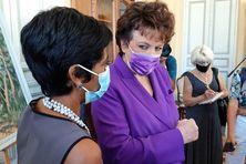 Roselyne Bachelot et Ericka Bareigts à la mairie de Saint-Denis