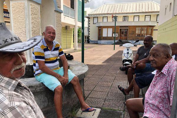 Le rendez-vous des gramouns dans le centre-ville de Bras-Panon.
