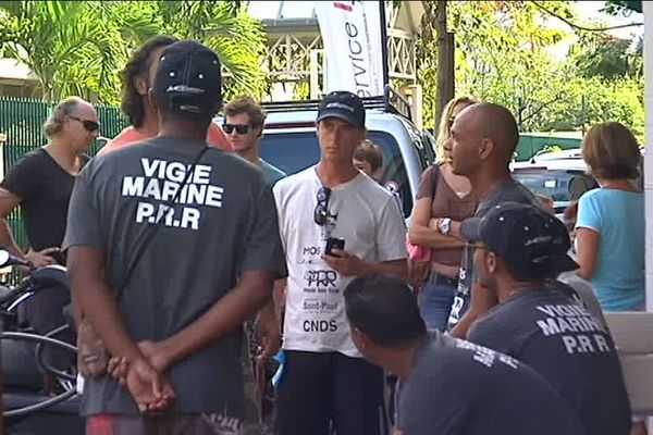 Manifestation surfeurs St-Paul