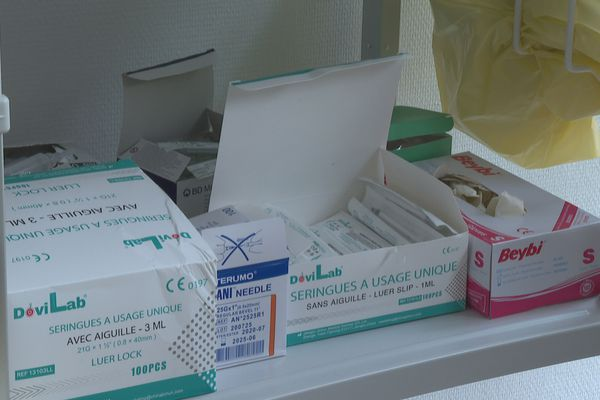 Kit vaccination anti-covid