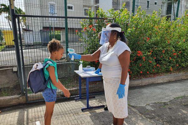 Ouverture de l'école élémentaire René Achéen à Saint-Esprit