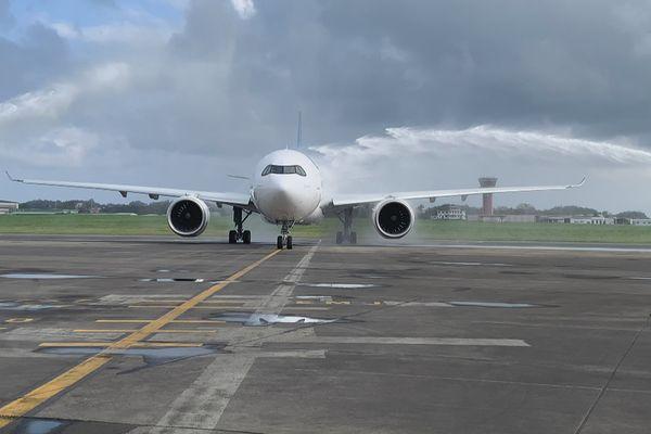 Arrivée en Guadeloupe du vol inaugural du 1er Airbus A330neo de Corsair