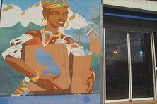 Affiche valorisant la production locale en Martinique.
