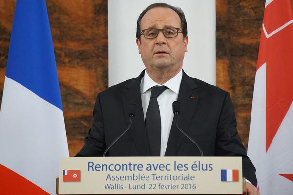 hollande assemblee2    24:02:16