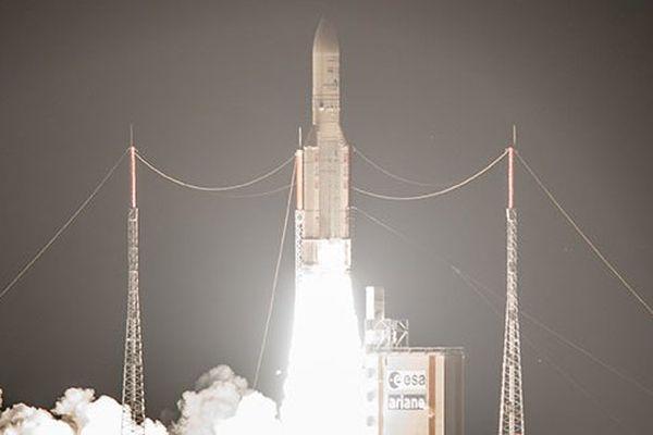 Ariane 5 a pris son envol à 18h34, mardi soir