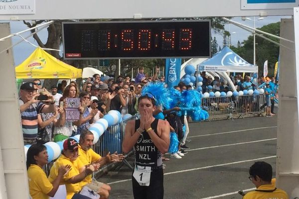 Kyle Smith remporte la 34e triathlon international de Nouméa