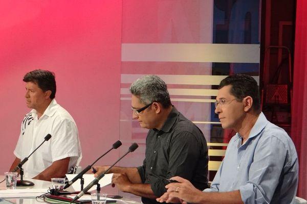 Antonio Perez, Philippe Neuffer et Tamatoa Bambridge sont présents pour commenter et analyser la soirée électorale