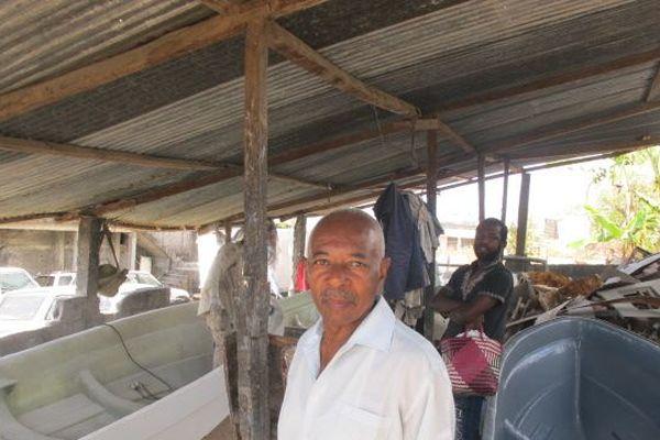 A Domoni, on construit des bateaux pour filer vers Mayotte