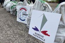 Les sacs de cocaïne saisis par la marine nationale de Martinique (juillet 2021).