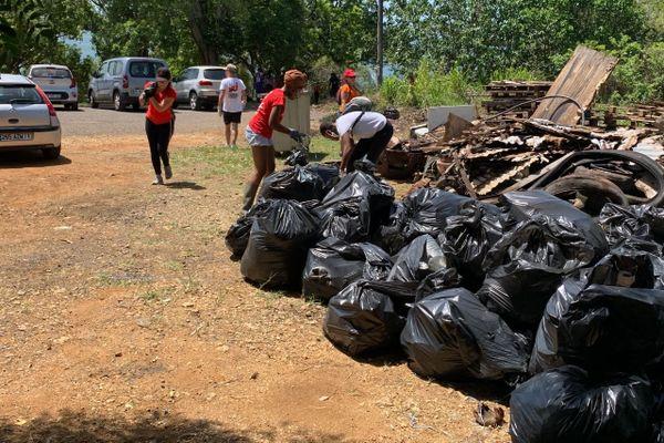 Nettoyage écocitoyen à Jarry