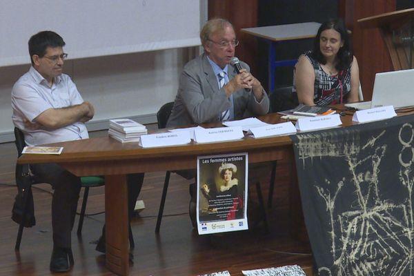 Une conférence sur les femmes artistes