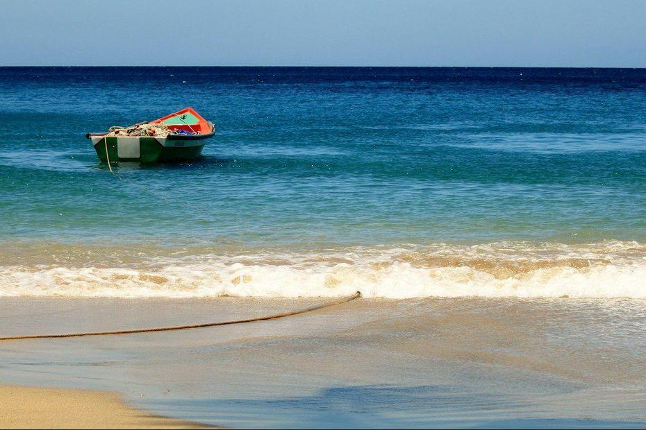 Les marins pêcheurs Martiniquais sont solidaires d'un collègue, sanctionné pour pêche en zone interdite - Martinique la 1ère