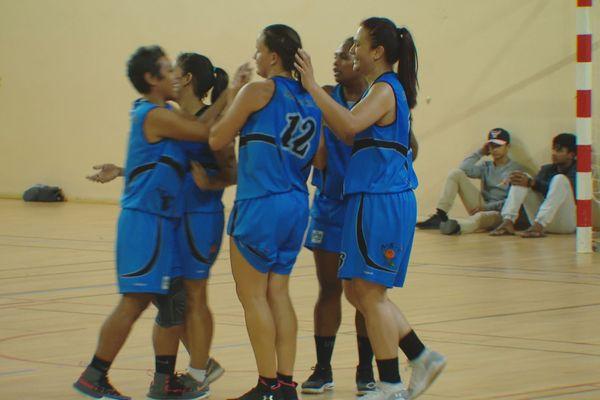 Les filles du 6e ont arraché un match 3 dans la finale territoriale dames.