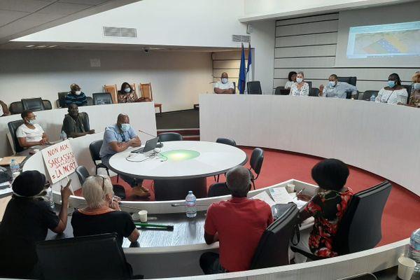 Rencontre collectif maire de sainte Anne