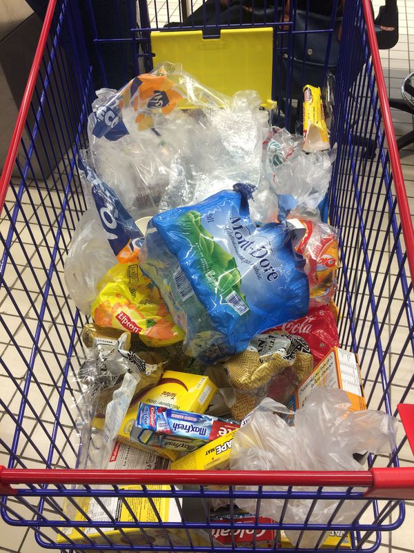 Plastic Attack à Kenu In, emballages plastiques, 2 juin 2018