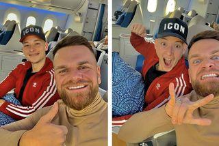 Keen V dans l'avion d'Air Tahiti Nui