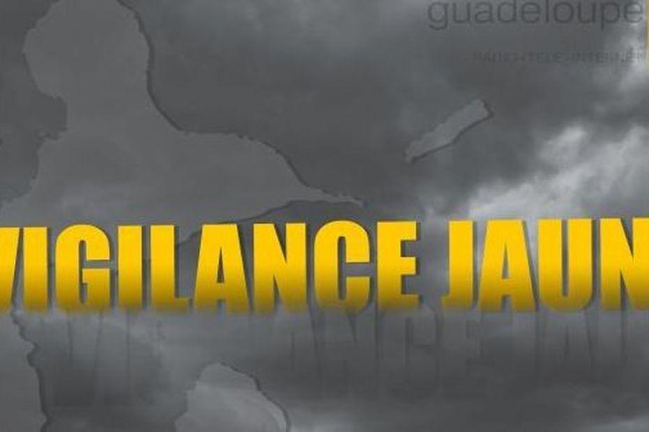 """La Guadeloupe toujours placée en vigilance jaune pour """" Fortes pluies et orages"""" et pour """"Vents violents"""" - Guadeloupe la 1ère"""