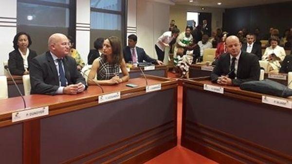 Vote du gouvernement,  Yoann Lecourieux, Isabelle Champmoreau et Christopher Gygès.