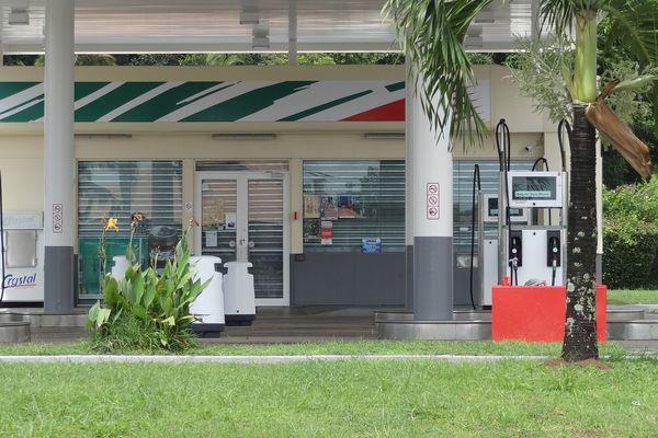 La station d'essence des Balisiers