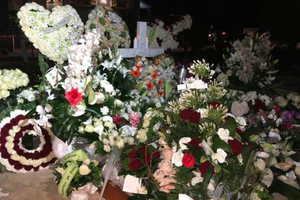 La tombe de Johnny Hallyday à Saint-Barth.
