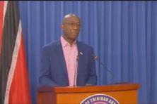 Le Premier Ministre de Trinidad et Tobago lors de la conférence de presse sur la campagne de vaccination