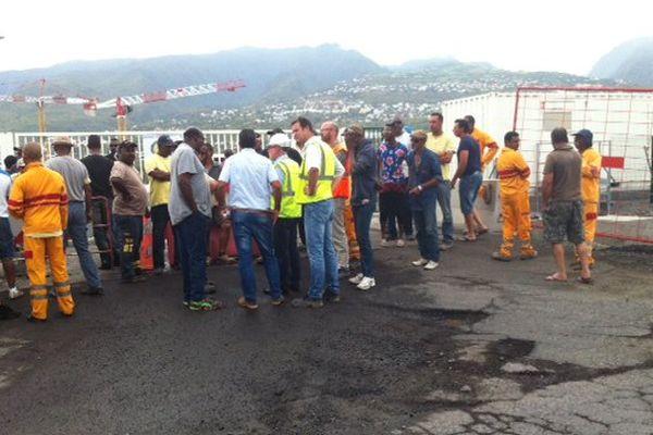 Grève employés route du littoral