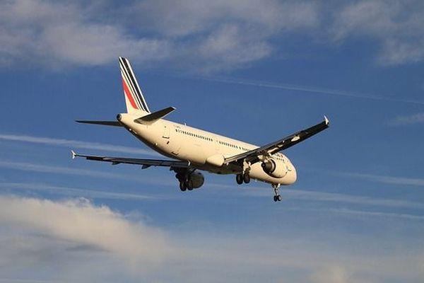 Les avions aux couleurs d'Air France sont actuellement remplacés par ceux de la compagnie portugaise Hifly