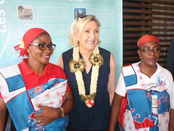 Marine Le Pen en visite à Mayotte