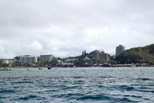 L'Anse-Vata vue de la mer.
