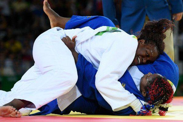 Qui est Emilie Andéol, la judokate martiniquaise médaillée d'or aux Jo de Rio ?