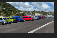 À Saint. Vincent et les Grenadines, les opérateurs des taxis collectifs préfèrent garer les véhicules que de rouler à perte.