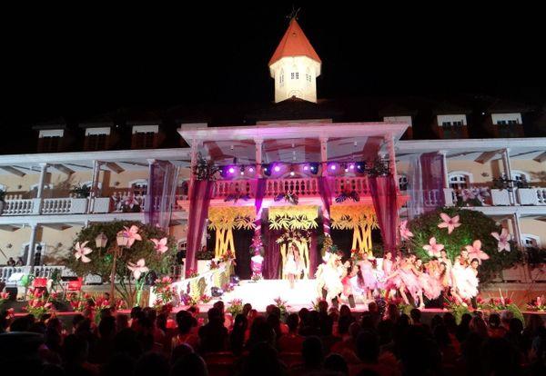 Election Miss Tahiti 2013 dans les jardins de la mairie de Papeete