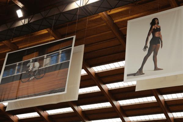 Les photos des Guadeloupéens Grégory Baugé et Muriel Hurtis, figures majeures de l'Insep, surplombent la salle
